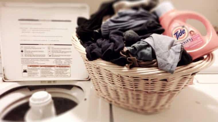 8 Sfaturi Importante Pentru Spalarea Corecta a Hainelor sunday morning chores t20 PoNPgB